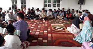 Doa bersama Sriwijaya FC di Ponpes Aulia Cendikia. FOTO : VIRALSUMSEL.COM
