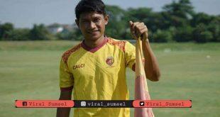 Obet Choiri bek tengah Sriwijaya FC. FOTO :VIRALSUMSEL.COM