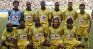 Starting Sriwijaya FC musim 2004/2005. FOTO : NET