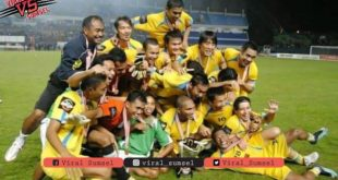 Selebrasi juara Sriwijaya FC di ajang Inter Island Cup 2010. FOTO : DOK SRIWIJAYA FC