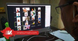 Achmad Haris manajer Muba Babel United silaturahmi sekalian meeting secara virtual bersama pemain, pelatih dan ofisial. FOTO :VIRALSUMSEL.COM