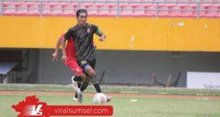 Firman Septian playmaker Sriwijaya FC. FOTO :VIRALSUMSEL.COM