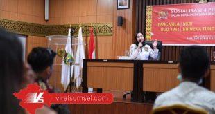Amaliah Sobli S.KG, MBA, sosialisasikan Empat Pilar pada kaum milinial di Gedung DPD RI Perwakilan Sumsel, Rabu (17/6/2020) siang. FOTO : YUYU RB/VIRALSUMSEL.COM