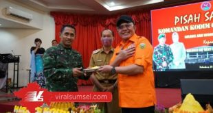 Gubernur Sumsel H Herman Deru bersama Walikota H Harnojoyo dan Kolonel Inf Heny Setyono Dandim 0418/ Palembang Korem 044/Gapo. FOTO : VIRALSUMSEL.COM