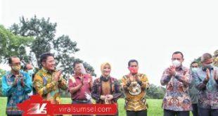 Gubernur Sumsel H. Herman Deru bersama Pimpinan KPK RI Komjen Pol Firli Bahuri, Walikota Palembang Harnojoyo, Direktur Utama PT. Pertamina, Nicke Widyawati. FOTO :VIRALSUMSEL.COM