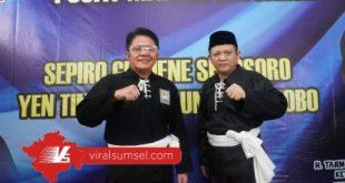 Gubernur Sumsel H Herman Deru bersama Warga Kehormatan PSHT Provinsi Sumsel Lanosin. FOTO :VIRALSUMSEL.COM