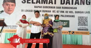 Gubernur Sumsel H Herman Deru letakkan batu pertama bedah rumah guru ngaji Jl. May Zen Lr. Seminung II RT 07 Rw. 02 Kelurahan Sungai Lais Kecamatan Kalidoni, Palembang. FOTO :VIRALSUMSEL.COM