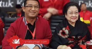 Bendahara DPD PDI Perjuangan Sumsel Yudha Rinaldi pose dengan Ketum DPP PDI Perjuangan Megawati Soekarno Putri. FOTO : VIRALSUMSEL.COM