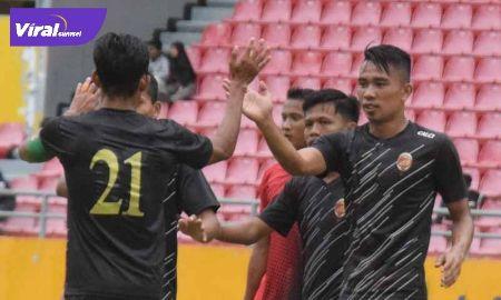Penyerang Sriwijaya FC Rudiyana dan Firman Septian di ajang Liga 2 2020. FOTO :VIRALSUMSEL.COM