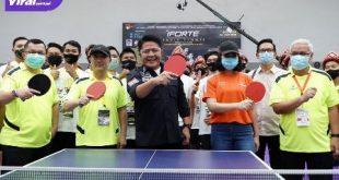Gubernur Sumsel, H Herman Deru usai resmikan GOR Pitstop Xiom Table Tennis Center. FOTO : VIRALSUMSEL.COM
