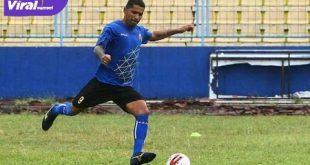 Alberto Goncalves bomber anyar Sriwijaya FC berlatih perdana di Stadion Bumi Sriwijaya, Rabu (9/9/2020). FOTO : VIRALSUMSEL.COM