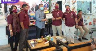 Ramlan Holdan dalam kegiatan Diskusi Publik bertemakan Efektiviras Pilkada Serentak di Tengah Pandemi yang diadakan di Om Ndut Cafe Palembang. FOTO : VIRALSUMSEL.COM