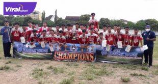 Euforia pemain, pelatih dan ofisial SSB Persegrata usai raih gelar juara BSB Junior League 2020 /2021. FOTO :VIRALSUMSEL.COM