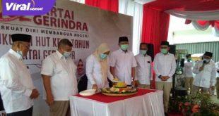 Syukuran Hari Ulang Tahun Gerindra ke-13 di Kantor DPD Gerindra Sumsel, Sabtu (6/2/2021). FOTO : VIRALSUMSEL.COM