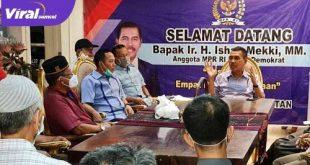 H Ishak Mekki Anggota MPR RI sosialisasi Empat Pilar dalam Berbangsa dan Bernegara di Maskarebet. FOTO :VIRALSUMSEL.COM