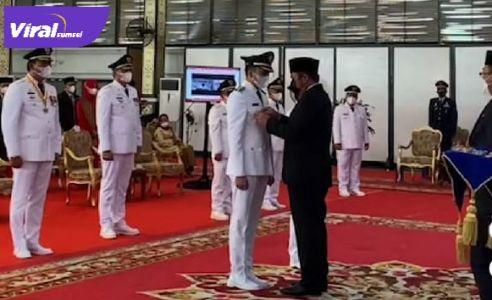Panca Wijaya Akbar Mawardi dan Ardani Bupati dan Wakil Bupati OI dilantik Gubernur Sumsel H Herman Deru. FOTO : VIRALSUMSEL.COM