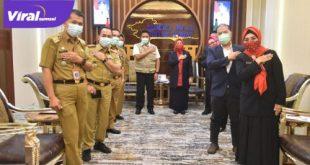 Gubernur Herman Deru menerima audensi Ketua Yayasan Jantung Indonesia Cabang Utama Sumsel, Hj Fauziah Mawardi Yahya. FOTO : VIRALSUMSEL.COM