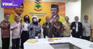Ketua DPW Partai Berkarya Sumsel Islah Taufik Effendy bersama Sekjen DPP Priyo Budi Santoso. FOTO : VIRALSUMSEL.COM