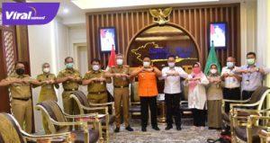 Gubernur Sumsel H.Herman Deru bersama Kepala BPPSDMP Kementan RI Prof Ir. Dedi Nursyamsi, M. Agr. FOTO : VIRALSUMSEL.COM