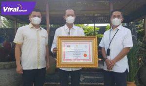 Kepala DPMPTSP Kota Palembang Dr. H. Akhmad Mustain, S.STP., M.S, bersama Walikota Harnojoyo dan Sekda Ratu Dewa. FOTO : VIRALSUMSEL.COM