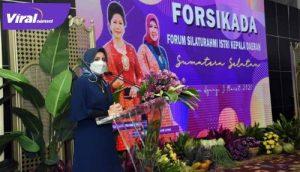 Ketua TP PKK Kota Lubuklinggau yang juga Ketua Forsikada Sumsel, Hj Yetti Oktarina Prana. FOTO : VIRALSUMSEL.COM