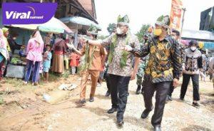 Dodi Reza Alex Bupati Musi Banyuasin kunjungan kerja dan silaturahmi ke pasar tradisional Desa Karya Maju Kecamatan Keluang. FOTO : VIRALSUMSEL.COM