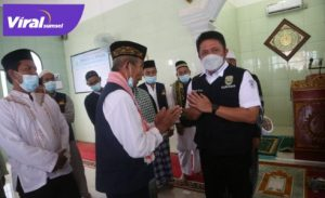 Gubernur Sumatera Selatan H Herman Deru Safari Jumat di Masjid Al-Ikhlas Sukarami. FOTO : VIRALSUMSEL.COM