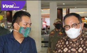 Ahmad Zarkasih Wakil Ketua DPRD Kabupaten Banyuasin (kiri). FOTO : VIRALSUMSEL.COM