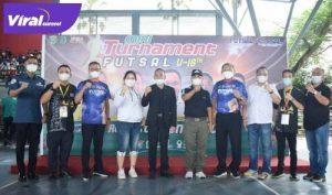 Sekda Muba Apriyadi bersama Ketua Asosiasi Futsal Sumsel Islah Taufik Effendy buka Turnamen Futsal U-18. FOTO : VIRALSUMSEL.COM