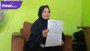 Sekar Hasri isteri Evan Tornado salah satu sopir taksi online di kota Palembang sudah dua pekan tidak pulang ke rumah. FOTO : VIRALSUMEL.COM