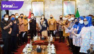 Gubernur Sumsel H Herman Deru menerima tim petugas Pendataan Keluarga Tahun 2021. FOTO : VIRALSUMEL.COM
