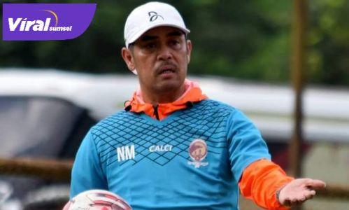 Nil Maizar pelatih kepala Sriwijaya FC. FOTO : VIRALSUMSEL.COM