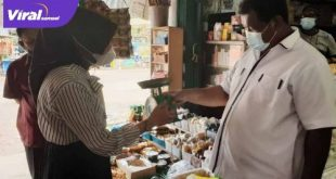 Kepala Dinas Perdagangan dan Perindustrian Muba, Azizah, S.Sos, MT melakukan kegiatan tera ulang alat ukur dan timbangan di pasar tradisional. FOTO : VIRALSUMSEL.COM