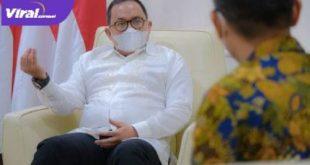 Bupati Muba DR H Dodi Reza Alex saat menerima tim dokter bedah bibir sumbing dan celah langit-langit. FOTO : VIRALSUMSEL.COM