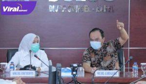 Wakil Walikota Palembang Fitrianti Agustinda kunjungi ke Perum Bulog Divisi Regional Sumsel dan Babel, Jumat, (9/4/2021).FOTO : VIRALSUMSEL.COM