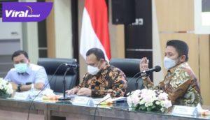 Gubernur Sumsel H Herman Deru audiensi Ketua KPK RI Firli Bahuri, Kamis (15/4/2021). FOTO : VIRALSUMSEL.COM