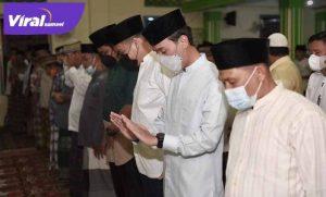 H Muchendi Mahzareki SE Wakil Ketua DPRD Sumsel Safari Ramadhan di OKI. FOTO : VIRALSUMSEL.COM