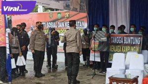 Kapolda Sumsel Irjen Pol Prof Eko Indra Heri S MM saat berkunjung di Tangga Buntung, Kamis (15/4/2021). FOTO : VIRALSUMSEL.COM