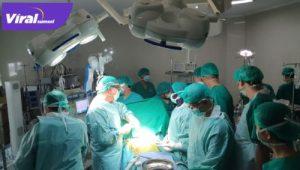 Operasi jantung terbuka terhadap dua pasien di RSUD Sekayu, Muba, Sabtu (17/4/2021). FOTO : VIRALSUMSEL.COM