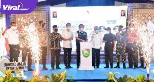 Gubernur Sumsel H Herman Deru resmikan 56 kegiatan pembangunan infrastruktur di OKl, Kamis (29/4/2021). FOTO : VIRALSUMSEL.COM