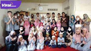FITK Education care center (FECC) gelar Safari Ramadan di Musholla Nurul Iman, Kelurahan Talangjambe, Palembang, Kamis (29/4/2021). FOTO : VIRALSUMSEL.COM