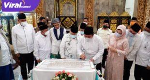 Gubernur Sumsel H Herman Deru bersama UAS meresmikan Masjid Al Falah di Jalan Rajawali Palembang, Selasa (4/5/2021). FOTO : VIRALSUMSEL.COM