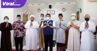 Gubernur Sumsel H Herman Deru resmikan Masjid Syari'ah di Perumahan Yansi Residence Kecamatan Sako Palembang, Jum'at (7/5/2021). FOTO : VIRALSUMSEL.COM
