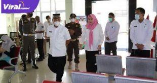 Sekda Muba Drs H Apriyadi MSi sidak ke beberapa dinas dan badan di lingkungan Pemkab Muba, Senin (31/5/2021). Foto : viralsumsel.com/devi