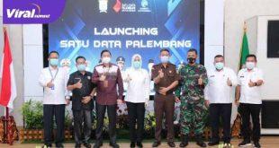 Aplikasi Satu Data Palembang resmi dilaunching di Rumah Dinas Walikota, Jalan Tasik Palembang, Rabu (2/6/ 2021). Foto : viralsumsel.com