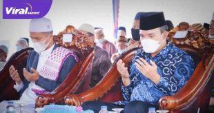 Wakil Bupati Muba Beni Hernedi menghadiri peletakan batu pertama pembangunan Pondok Pesantren Darul Qur'an Al-Madani. Foto : viralsumsel.com/devi