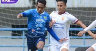 Pertandingan uji coba Persib Bandung vs Sriwijaya FC di Stadion GBLA, Bandung, Rabu (23/6/2021). Foto : ig