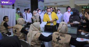 Bupati Muba Dodi Reza Alex saat membuka kegiatan Vaksinasi Gratis Kadin Sumsel dan Perusahaan UMKM untuk Indonesia Bebas Covid-19, di PIM, Sabtu (26/6/2021). Foto : viralsumsel.com/devi