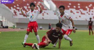 Pertandingan uji coba PS Palembang versus Persipra Prabumulih di Stadion Gelora Sriwijaya, Minggu (4/7/2021) sore. Foto : ist