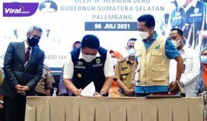 Gubernur Sumsel H Herman Deru saat membuka Kegiatan Peningkatan Kompetensi PBT POPT, PPEP- POPT di Hotel Santike Premier Palembang, Selasa (6/7/2021). Foto : viralsumsel.com/sep